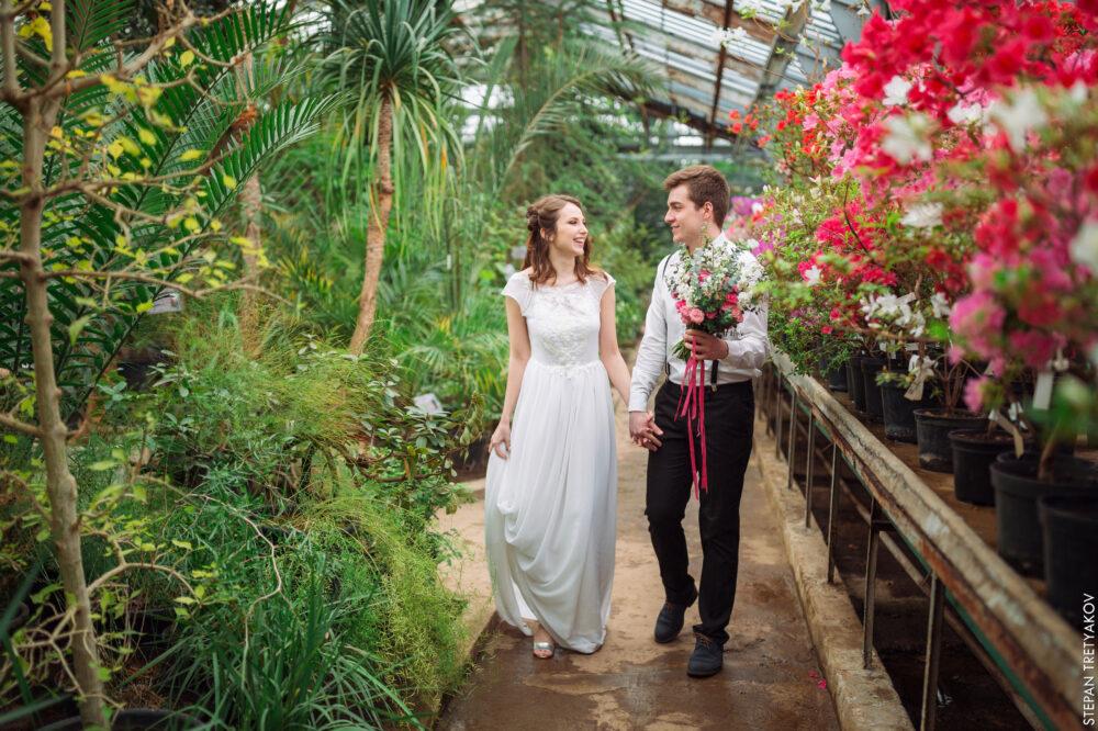 «Цветочная» фотосессия  в оранжерее Ботанического сада